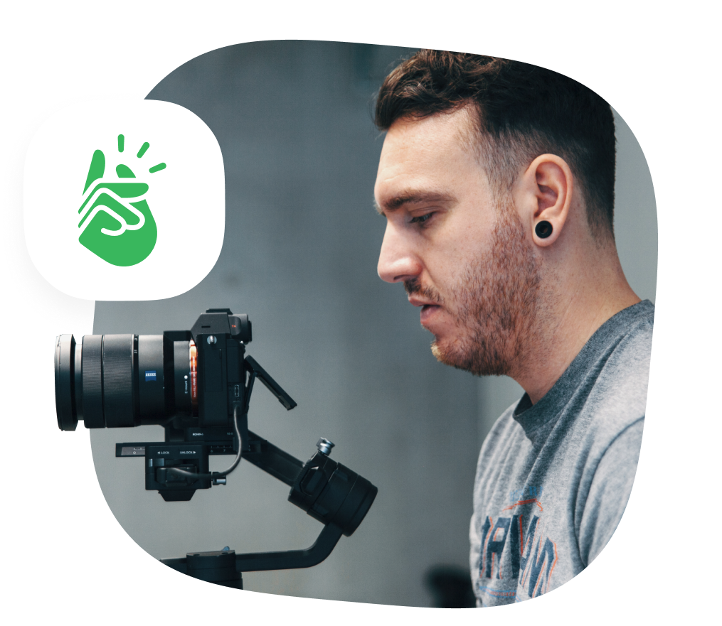 Multimedia designer - videographer 